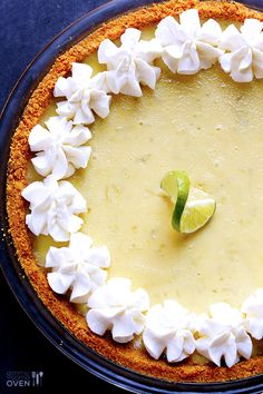 The Best Key Lime Pie Recipe -- made with a graham cracker crust and an easy 4-ingredient filling! | gimmesomeoven.com #dessert