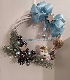 Ghirlanda di Natale. . https://www.facebook.com/Il-Cassetto-dei-Sogni-1890162974542736/