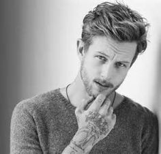 Awesome Men Short Wavy Hairstyles