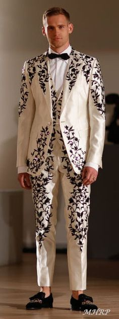 Dolce-Gabbana_Alta-Moda-and-Alta-Sartoria-fashion-show_Museo-Soumaya-Mexico-City_April-
