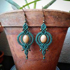Ceramic beads and brass #macrame #micromacrame #macrameart #macramejewelry #handmadejewelry #handmade #hechoamano #håndlavet #shopsmall #håndlavedesmykker #danskdesign #joyasartesanales #artesania #artesanal #bohojewelry #banditz #unika #gemstonejewelry #ceramics #handmadeisbetter
