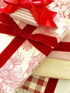 Pretty Gift Wraps and Bows