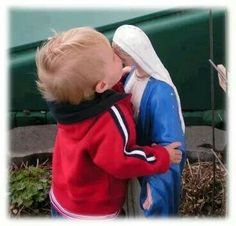 The little children are so drawn to the statues of the Blessed Mother and the Holy Family. Blessed Mother Mary, Blessed Virgin Mary, Jean 3 16, Images Of Mary, Mama Mary, Religious Pictures, Holy Rosary, Roman Catholic, Our Lady