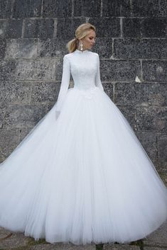 vintage wedding dresses 2020 long sleeve high neck lace appliques ball gown bridal dresses vintage wedding gowns muslim vestidos de noiva - Tesettür Şalvar Modelleri 2020 - Tesettür Modelleri ve Modası 2019 ve 2020 Muslim Wedding Dresses, Modest Wedding Dresses, Bridal Dresses, Gown Wedding, Wedding Reception, Formal Dresses, Lace Wedding, Winter Wedding Dress Ballgown, Wedding Ideas