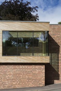 Image 4 of 14 from gallery of Michael Baker Boathouse / Associated Architects. Photograph by Martine Hamilton Knight Wood Architecture, Residential Architecture, Amazing Architecture, Contemporary Architecture, Black Building, Timber Cladding, Brick Facade, Park Homes, Brickwork