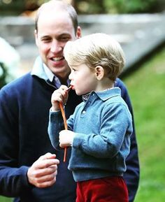 Prince George of Cambridge with Prince William, Duke of Cambridge at a children's party for Military families during the Royal Tour of Canada on September 29, 2016 in Victoria, Canada. #princegeorge #princewilliam #dukeofcambridge #royaltour2016 #canada #royalvisitcanada