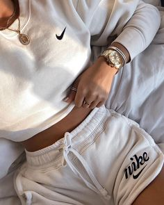 Cute Lazy Outfits, Chill Outfits, Sporty Outfits, Teen Fashion Outfits, Retro Outfits, Look Fashion, Running Outfits, Nike Fashion Outfit, Cute Nike Outfits