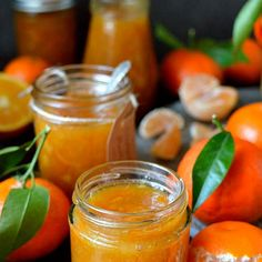 Clementine marmalade - a delicious homemade marmalade using clementines, great for Christmas gifts! Egg Free Recipes, Bbc Good Food Recipes, Edible Christmas Gifts, Marmalade Recipe, Meal Planner, Calorie Diet, 4 Ingredients, Hot Sauce Bottles, Preserves