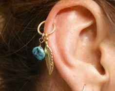 Cerceau de Cartilage turquoise argent plume par MidnightsMojo