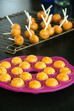 Recette Popcakes, lardons, tomates, chutney - Petites recettes gourmandes à déguster avec les doigts ! - La Cour d'Orgères