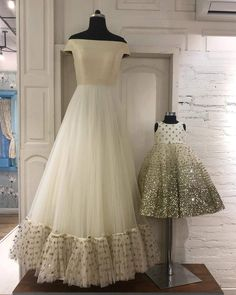 ♦️mother daughter matching dresses👗 Book ur orders now 🔔 ♥️All sizes available ♥️ For any qery or detail dm or whatsapp us at Mom Daughter Matching Outfits, Mommy Daughter Dresses, Mom And Baby Dresses, Mother Daughter Fashion, Mom Dress, Little Girl Dresses, Flower Girl Dresses, Baby Outfits, Red Lehenga