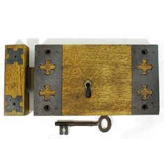 A good quality English Oak cased iron rim deadlock. Fully refurbished and in full working order. Supplied complete with steel reinforced laminated oak keep and period key. Good crisp key action. The case has been thoroughly cleaned and refinished in shellac and wax and retains it's lovely original 'honey oak' patina.