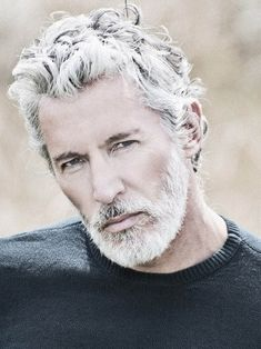 This is a reasonable Ross vibe, but he'd have more red in his beard. Aiden Shaw - I'm growing my grey hair and beard to see if I can get close to this and hopefully not Santa Claus. Aiden Shaw, Grey Hair Men, Gray Hair, Black Hair, Grey Beards, Hommes Sexy, Ageless Beauty, Going Gray, Older Men