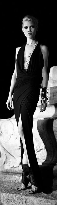 Vintage Couture, Vintage Fashion, Fashion Week, Fashion Show, Black Magic Woman, Fashion Themes, Designer Gowns, Hollywood Glamour, Beauty Photography