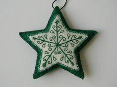White with gold embroidered felt star ornament Felt Christmas Decorations, Felt Christmas Ornaments, Christmas Nativity, Christmas Stockings, Felt Crafts, Holiday Crafts, Homemade Ornaments, Diy Ornaments, Beaded Ornaments