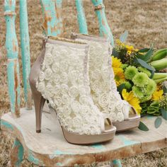 These would make adorable wedding shoes...think I could convince Jason to renew our vows?  :)