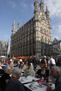 Het stadhuis van Leuven, één van de mooiste stadhuizen ter wereld. Wat je allemaal in Leuven kunt doen, zie je in deze CityGuide Leuven.