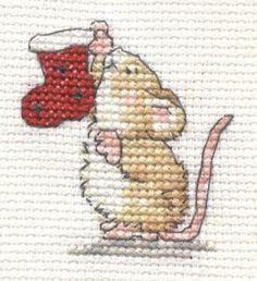 Christmas Mouse cross stitch by Lil-Samuu on DeviantArt