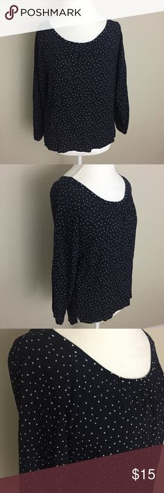 """Ann Taylor LOFT Subtle Heart 3/4 Sleeve Top Blouse Ann Taylor LOFT navy blue with subtle white heart print 3/4 sleeve Blouse. Size small. Excellent condition with no flaws. Approximate measurements flat and unstretched: pit to pit 18"""", length at front 22.5"""", length at back 26"""". ⚓No trades or holds. I negotiate only through the offer button. Any measurements listed are approximate since I am not a seamstress. 🚭🐩T2 LOFT Tops Blouses"""