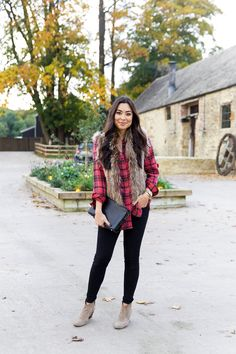 With Love From Kat // Weekends in the Country. Red and black plaid long shirt+black skinny denim+pale brown ankle boots+brown fur vest+black clutch. Fall Casual Outfit 2016