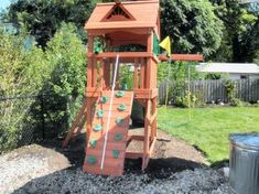 Small backyard playsets small backyard playsets into a space saver for small yards Backyard Swing Sets, Backyard Playset, Backyard Playground, Ponds Backyard, Outdoor Playset, Natural Playground, Playground Ideas, Garden Playhouse, Small Yard Landscaping