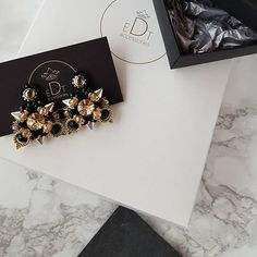 #earrings #earringsfashion #handmade #handmadejewelry #jewelry #jewellery #jewelrydesigner #jewellerydesign #jewels #design #details #style #accessories #edtaccessories #sparkle #elegant #stone #swarovski #swarovskicrystals #beads #fashionista #fashion #fashionblogger