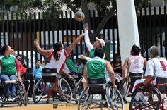 Nezahualcóyotl, Méx. 28 Abril 2013.  La promoción deportiva también busca que la población vuelva a transitar en calles seguras y practique los distintos deportes en espacios seguros y dignos.