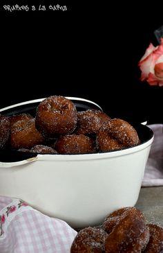Catalan Easter treats, Easter sweets, bunyols, brunyols de l'Empordà, buñuelos, bunyols de Quaresma, sweet yeasted dough, Dulces de Semana Santa, Tradicions catalanes, la cuina de sempre