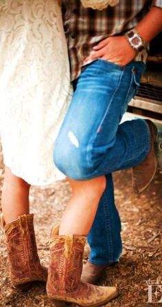 Country Engagement Photos I think the girl should be doin the leg thing but cute -