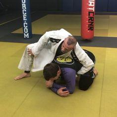 Using your own gi for attacks Jiu Jitsu Moves, Jiu Jitsu Gi, Ju Jitsu, Jiu Jitsu Training, Mma Training, Strength Training, Martial Arts Workout, Martial Arts Training, Judo