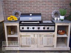 Steigerhouten buitenkeukens DV-Design Backyard Decor, Outdoor Decor, Decor, Deck Decorating, Backyard Bar, Outdoor Kitchen, Outdoor Entertaining Spaces, Outdoor Cooking, Outdoor Living Kitchen