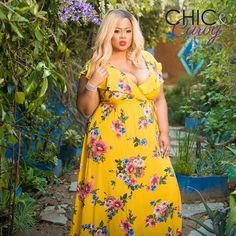 Chic and Curvy's mission is to highlight all things chic and curvy. We promote self-love, positive body image, having confidence and most of all FASHION. Plus Size Maxi Dresses, Plus Size Outfits, Girls Dresses, All Fashion, Plus Size Fashion, Chic And Curvy, Positive Body Image, Curvy Plus Size, Curves