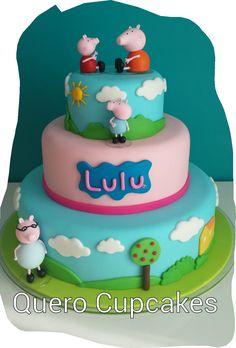 Blog da Lilian Brito: Bolo Peppa Pig Tortas Peppa Pig, Bolo Da Peppa Pig, Peppa Pig Birthday Cake, Grandpa Pig, Aniversario Peppa Pig, Baked Cabbage, Pig Party, Tiered Cakes, Cake Smash