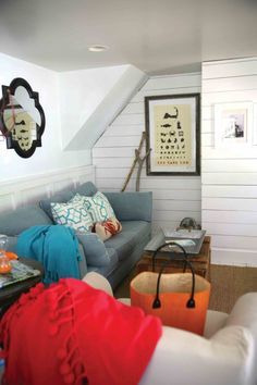House Tour: Color & Pattern Revive a Beach Cottage Cottage Living, Cottage Homes, Living Room, Cottages And Bungalows, Beach Cottages, Old Fashioned House, Interior Decorating, Decorating Ideas, Decor Ideas