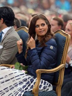 Princess Madeleine in blue Moncler down jacket. Shop Moncler at LINEAFASHION.COM. #moncler #blue #quilted #down #jacket #fashion #sports #skiijacket #lightweight #womenswear #outerwear