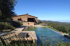 Maison ancienne rénovée avec piscine à débordement et belle vue