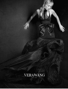 A campanha da linha de noivas de primavera-verão 2016 de Vera Wang com vestido de noiva preto!