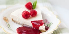 Strawberries and Cream Cake Roll No-bake strawberry cheesecake by Call me Cupcake Strawberry Cupcakes Cheesecake Cookies creamy cauliflower . Strawberry Cheesecake, Cheesecake Recipes, Dessert Recipes, Strawberry Tiramisu, Just Desserts, Delicious Desserts, Yummy Food, Dessert Healthy, Cupcakes