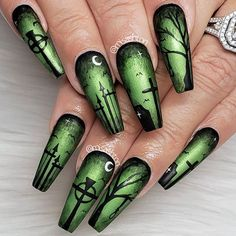 The Best Halloween Nail Designs in 2018 – ♡Halloween nails♡ – - Nail Art Design Halloween Press On Nails, Cute Halloween Nails, Halloween Acrylic Nails, Halloween Coffin, Scary Halloween, Halloween Makeup, Women Halloween, Halloween 2019, Halloween Recipe