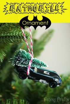Cutesy Crafts: DIY Batmobile Christmas Ornament This would be cute for an elf to do :) Batman Christmas Tree, Funny Christmas Ornaments, Christmas Humor, Christmas Tree Decorations, Xmas Trees, Diy Ornaments, Homemade Christmas, Christmas Crafts, Christmas Photos