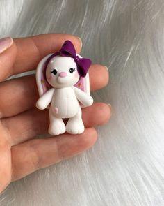"""905 Me gusta, 31 comentarios - Sasha S. Vihareva (@sweet_sasha.s) en Instagram: """"Кажется, в Ижевске весна) гулять и дышать!!! #полимернаяглина #пластика #Ижевск #девочка #хобби…"""" Polymer Clay Figures, Cute Polymer Clay, Cute Clay, Fondant Figures, Fimo Clay, Polymer Clay Creations, Polymer Clay Crafts, Fondant Animals, Clay Animals"""