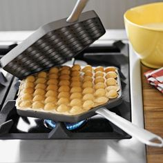 WOW, that is what I call a waffle pan
