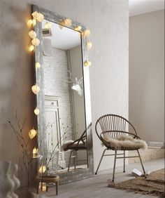 These fairy lights bedroom ideas are great to add to a standing mirror in your bedroom. These fairy lights bedroom ideas are perfect to add warmth to your flat in an affordable way. Check out the different string lights to add to your space. Home Interior, Interior Design, Bohemian Interior, Bedroom Lighting, Fairylights Bedroom, Bedroom Fairy Lights, Light Bedroom, Home And Deco, Home Bedroom