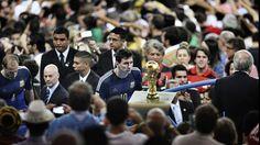 Una imagen de Lionel Messi en la final del Mundial ganó el premio más prestigioso de la fotografía | Lionel Messi, Mundial Brasil 2014 - Infobae