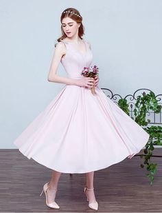 1950s Vintage Inspired V Neck Swing Prom Wedding Dress