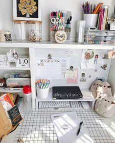 Bedroom desk decor Ideas for 2019 Study Room Decor, Cute Room Decor, Diy Room Decor Tumblr, Study Rooms, Bedroom Desk, Home Decor Bedroom, Master Bedroom, Dorm Desk, Workspace Desk