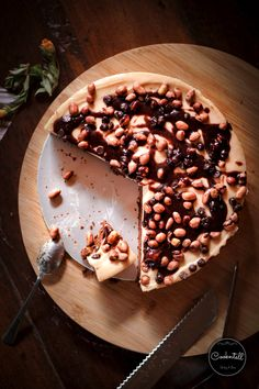 Easy & No Bake Choco Peanut Butter Cheese Cake Butter Cheese, Cake Videos, Dessert Recipes, Desserts, Peanut Butter, Food Photography, Cereal, Cheesecake, Baking
