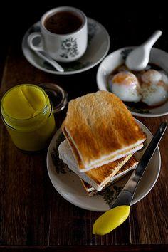 kopi and kaya! Breakfast Photography, Food Photography, Nyonya Food, Singapore Food, Malaysian Food, Tasty, Yummy Food, Sweet Sauce, International Recipes