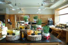 Unser reichhaltiges Frühstücksbuffet Das Hotel, Switzerland, Table Settings, Spa, Place Settings