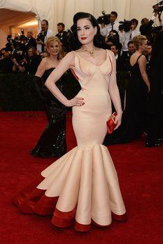 Dita Von Teese, vestido de Zac Posen - Gala MET 2014 - #Joyas y #celebrities en @BijouPrivee